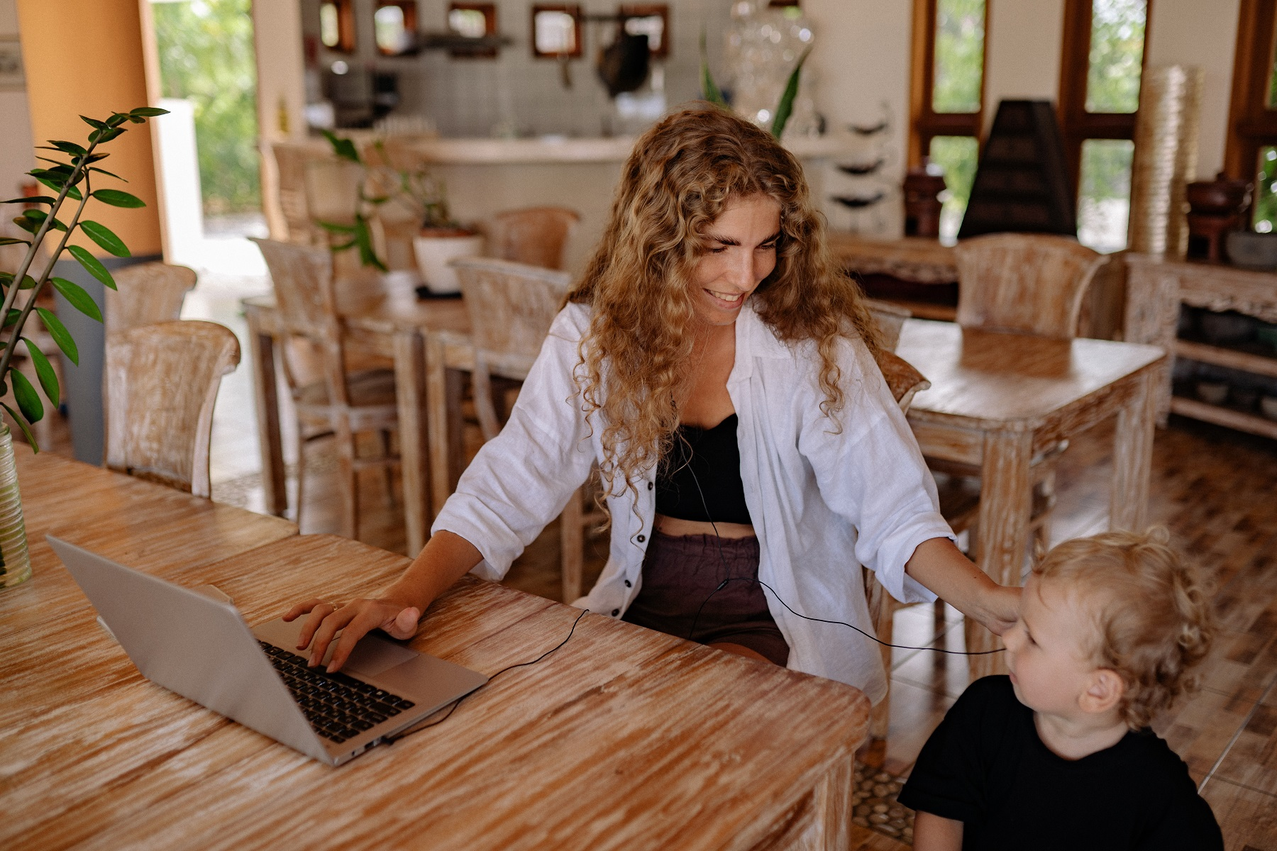 how does a working mom find the sweet spot of multitasking