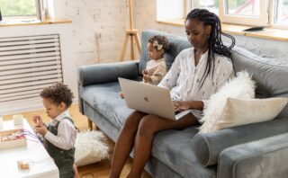 Robyn's Tips: How to Make Mornings Easier as a Working Mom